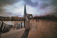 Movement of the people.. (The all seeing i) Tags: wideangle 10 stop nd filter fuji fujifilm flickr london bridge