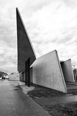 Vitra fire station (LG_92) Tags: vitra firestation zahahadid weilamrhein concrete architecture contemporary monochrome modern cantilever roof form