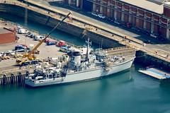 RX308538 (gosport_flyer) Tags: rn hmnb portsmouth mcm warship dockyard crane dock