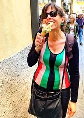 Lago di Como - Lombardia - Italia (Kristel Van Loock) Tags: lagodicomo lombardia italia italy italie comolake lakecomo italië vacanza travel viaggio travelphotography labellaitalia bellagio icecream gelato gelatotime