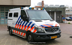 Dutch police Mercedes-Benz Sprinter (Dutch emergency photos) Tags: politie police polizei polit politi politiet polici policie policia polis polisi polisie polisia politia polizie polizia politievoertuig politievoertuigen policevehicle policevehicles vehicle vehicles voertuig voertuigen nederland nederlands nederlandse netherlands netherland dutch emergency photo photos foto fotos 999 911 112 amsterdam amstelland eenhoorn blauw licht blue light lichtbalk lichtbak lightbar mercedes benz sprinter arrestant arrestanten arrestantenvervoer prisoner prisonertransport transport hz759n 5309
