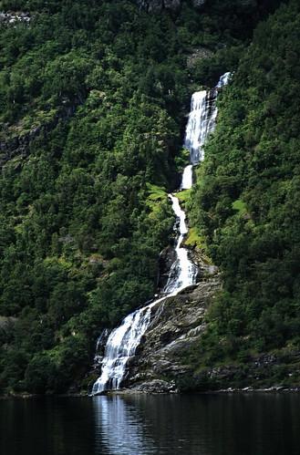 "Norwegen 1998 (326) Bringefossen, Geirangerfjord • <a style=""font-size:0.8em;"" href=""http://www.flickr.com/photos/69570948@N04/46958668894/"" target=""_blank"">View on Flickr</a>"