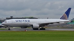 N777UA Boeing 777-222 United Airlines (EIDWFotos) Tags: n777ua eidw unitedairlines