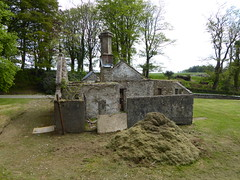 that's where the grass is hidden (seanofselby) Tags: knocdow estate lodge gatehouse cowal peninsula dunoon