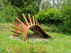 """Untitled"" Louis Okwedy (guyfogwill) Tags: guyfogwill guy fogwill sculpture may devon barnstaple spring northdevon holiday 2019 broomhillarthotel muddiford ex314ex louisokwedy untitled broomhill sculpturegardens broomhillgardens broomhillsculpture broomhillsculpturegarden sculpturegarden outdoor unitedkingdom flicker photo interesting absorbing engrossing fascinating riveting gripping compelling compulsive"