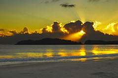 Por do Sol Bombinhas (romannoluiz) Tags: imagem pordosol ocaso aurora sol nuvens praia balneário passeio nossacidade bombinhas santacatarina brasil