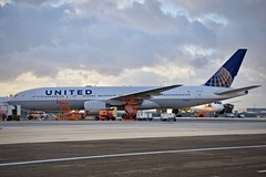 United Airlines 1997 Boeing 777-200 N792UA c/n 26934 at San Francisco Airport 2019. (17crossfeed) Tags: unitedairlines unitedexpress boeing 777 777200 n792ua 26934 airport sfo sanfranciscoairport sfoov aviation aircraft airplane pilot planes planespotting plane 17crossfeed claytoneddy landing lufthansa deltaairlines americanairlines southwestairlines maintenance 787 757 767 747