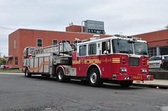 Trenton Fire Department Ladder 1 (Triborough) Tags: nj newjersey mercercounty trenton tfd trentonfiredepartment firetruck fireengine truck truck1 ladder ladder1 seagrave tiller tda