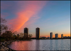 Early Light Humber Bay (Rodrick Dale) Tags: early light humber bay lake ontario toronto canada cloud dawn