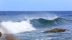 Ser una persona honesta ¡Mi negocio va viento en popa! (II) (marreroperaltatalia) Tags: mar ola piedra honesto dios cómoreconocerlavozdedios lecturasdeldía