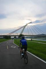 台北大佳河濱公園.大直橋 (nk@flickr) Tags: friend taipei cycling 台北 taiwan 20190519 台湾 bobby 台灣 canonefm1545mmf3563isstm