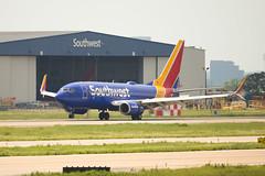 2019_04_29 DAL Stock-30 (jplphoto2) Tags: 737 737700 boeing737 dal dallaslovefield jdlmultimedia jeremydwyerlindgren kdal lovefield n7869a southwest southwest737 southwestairlines southwestairlines737 southwestairlines737700 aircraft airline airplane airport aviation