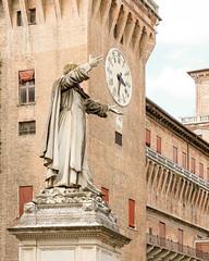 Ferrara-4 (e.berti93) Tags: ferrara architecture architettura art italy brick urban antico monumento castello estense piazza città bike