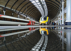 221 Reflections (Jack Bowley) Tags: arriva crosscountry cross country xc axc reflection reflections toon newcastle voyager bombardier 221