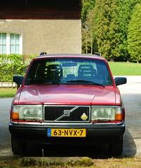 1991 Volvo 240 (Steenvoorde Leen - 13.8 ml views) Tags: carinthestreet volvo240 volvo245 stationcar stationwagen 1991volvo240
