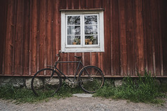 (mikper) Tags: woodencottage gammalcykel statarlänga skansen oldbike stockholm stockholmslän sverige