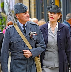 Haworth 1940's Weekend 2019 (grab a pic) Tags: canon eos 5dmarkiv haworth haworth1940sweekend england uk yorkshire westyorkshire brontecountry reenactment livinghistory war worldwar2 ww2 wwii 1940s homefront oldfashioned vintage warweekend 2019 people outdoor man uniform military army soldier male woman airforce raf