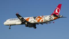 TC-JRO Turkish Airlines Airbus A321-231 (Nathan_Ivanov) Tags: airplane aircraft vko vnukovo uuww spotting airbus airbusa321 tcjro