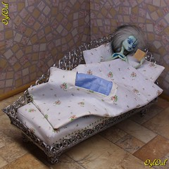 №621. New 3D-drawn couch (OylOul) Tags: oyloul 2019 q2 may 16 furniture miniature couch monster high doll custom