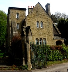 [75016] Chesterfield Cemetery Lodge (Budby) Tags: chesterfield cemetery victorian lodge gatehouse