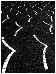 Migrazione. Migration. (Livio Saule) Tags: bianconero biancoenero viaggioastrattobianconeromonocromo pietra uccelli astratto abstracts abstrakt abstrait astrattismo