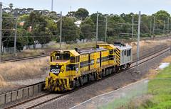 Two T's at Paisley (Noah_Clancey) Tags: t class tclass locomotive vicrail victorianrailways vr victoria melbourne newport altona paisley bdvy t381 t386 bdvy52 transfer xtrapolis australia railway railways train van