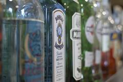 Una pausa di relax (hoteldellerose1956) Tags: hotel bar drink cocktail cascia norcia umbria valnerina barman