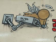 DSCF1627 (Benoit Vellieux) Tags: france auvergnerhônealpes 69 lyon 7èmearrondissement 7thdistrict avenuedebourg halledebourg peinturefraiche festival exposition exhibition ausstellung streetart murpeint paintedwall bemaltemauer mural camera télé tv kamera fernsehen television ange angel engel humour humor jace gouzou