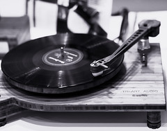 Wooden Player (*Capture the Moment*) Tags: 2019 audio exhibition fair fotowalk highend mai may messe munich music musik münchen plattenspieler sonya6300 sonyfe55mmf18 sonyilce6300 technik technology turntable