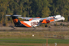 OSU Beavers (planephotoman) Tags: 11615pdx bombardier dhc8400 dhc8402 q400 n440qx beavers osu oregonstateuniversity horizonair alaskaairlines airline airliner pdxaircraft portlandinternationalairport pdx kpdx