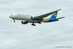 Ukraine Int, UR-GOC, B772 (Bob from Caledon) Tags: b777200er cyyz torontopearsoninternationalairport urgoc ukraineinternational aeroplanes aircraft airplanes arrivals runway05