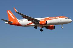 G-EZWL_01 (GH@BHD) Tags: gezwl airbus a320 a320200 a320214 u2 ezy easyjet aircraft aviation airliner ace gcrr arrecifeairport arrecife lanzarote