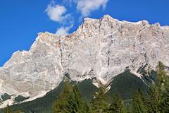 Ehrwald - Zugspitze (3) (Pixelteufel) Tags: ehrwald österreich austria alpen tourismus zugspitze felsen felswand felsgestein gebirge bergwelt wald waldgebiet waldbestand tannen baumbestand