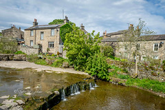 SJ1_8238 - Gayle, Wensleydale (SWJuk) Tags: england unitedkingdom swjuk uk gb britain yorkshire northyorkshire yorkshiredales dales wensleydale gayle gaylebeck waterfall water dry houses countryside landscape view scenery bluesky clouds light sunlight 2019 may2019 spring holidays nikon d7200 nikond7200 nikkor1755mmf28 rawnef lightroomclassiccc