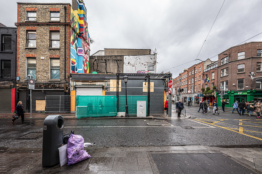 HERE THERE WILL BE A LARGE HOTEL [LIFFEY STREET - ABBEY STREET]-152111