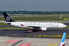 """Turkish Airlines - A330-223, TC-LNB """"Star Alliance Livery"""" (Bernd 2011) Tags: a330223 a330 a332 airbus turkishairlines dus eddl taxiing nikon dslr slr staralliancelivery staralliance"""