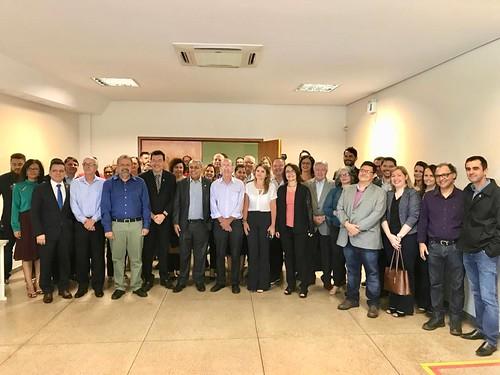 A bancada goiana na Câmara Federal se reuniu hoje com o reitor da UFG, Edward Madureira