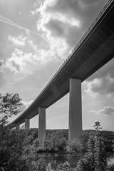gone fishing (Dominik Wesche) Tags: ruhrgebiet mülheim ruhr ruhrtalradweg autobahn a52 schwarzweis blackwhite natur himmel sky brücke bridge