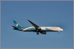 Oman Air A40-SD. (PS_Bus_Driver) Tags: omanair a40sd boeing787 egcc manchesterairport finalapproach