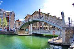 533 Paris en Mars 2019 -le Pont de la rue de Crimée sur le Canal de l'Ourcq (paspog) Tags: paris france canal mars march märz canaldelourcq pont bridge brücke