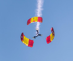 PAPEA (Miguel Angel Prieto Ciudad) Tags: parachuting skydive air flying parachute spain spanishairforce mucia airshow acrobatic color sonyalpha alpha3000 mirrorless emount