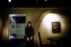 Woman in black clothes (SI Kamerameha) Tags: woman person staff exhibition oldhouse ray human photography happyplanet asiafavorites