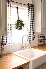 70 pretty farmhouse kitchen curtains decor ideas (37) (CoolHomeStyling) Tags: home decor design styling interior