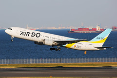 Air Do Boeing 767-33A/ER JA89AD (Mark Harris photography) Tags: spotting haned japan canon plane aviation