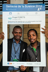 FORETS 2019 (CIFOR) Tags: discuss selfie workshop mitigation research forestproductandtrade people scientists climatechange forets discussing rd development human humanbeing humanbeings humans person researchdevelopment researchanddevelopment kisangani tshopo drcongo
