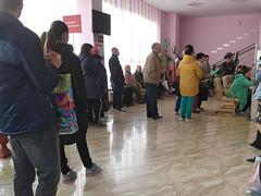 IMG_7337 (Бесплатный фотобанк) Tags: россия краснодар поликлиника очередь регистратура толпа медицина медицинская клиника