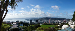 Views over Wellington, New Zealand (boeckli) Tags: wellington noordam newzealand panorama pano aussicht view viewpoint cablecar sky himmel outdoor 012444 rx100m6
