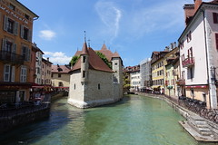 Canal @ Thiou @ Old Town @ Annecy (*_*) Tags: may 2019 printemps spring morning matin annecy 74 hautesavoie france europe savoie city oldtown vieilannecy vieilleville thiou river canal