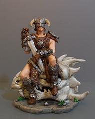 Statuetta da videogioco (Orme Magiche) Tags: modellino guerriero vichingo teschio fantasy drago statuina personalizzata statuinepersonalizzate caketopper modellini cosplayer