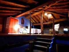 Acceso Ático (brujulea) Tags: brujulea casas rurales tubilla del lago burgos casa rural acceso atico